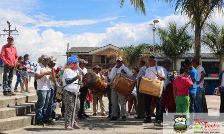 Campesinos se toman el parque del Tambo, Cauca