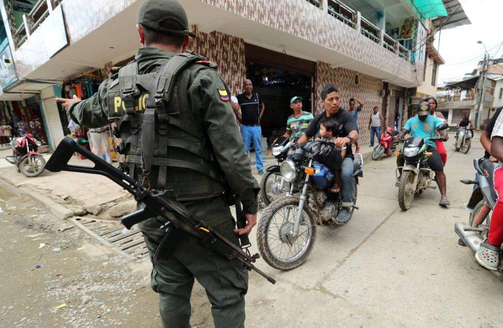 Policía viene intimidando población de Arauca