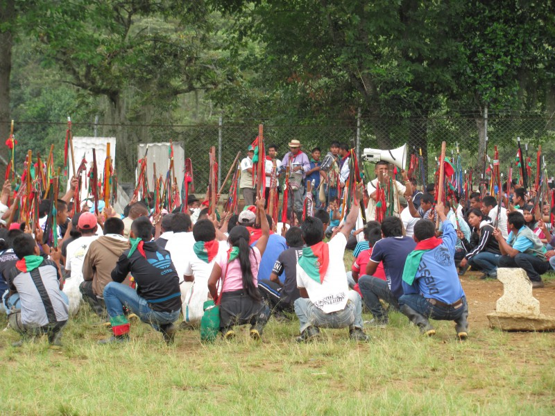 Indignación ante el asesinato de los dos guardias indígenas por las FARC en Toribio-Cauca