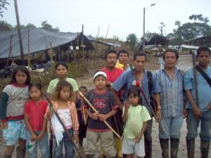Juan David Pascal Cortes, niño indígena Awá, a sus siete años se debate entre la vida y la muerte
