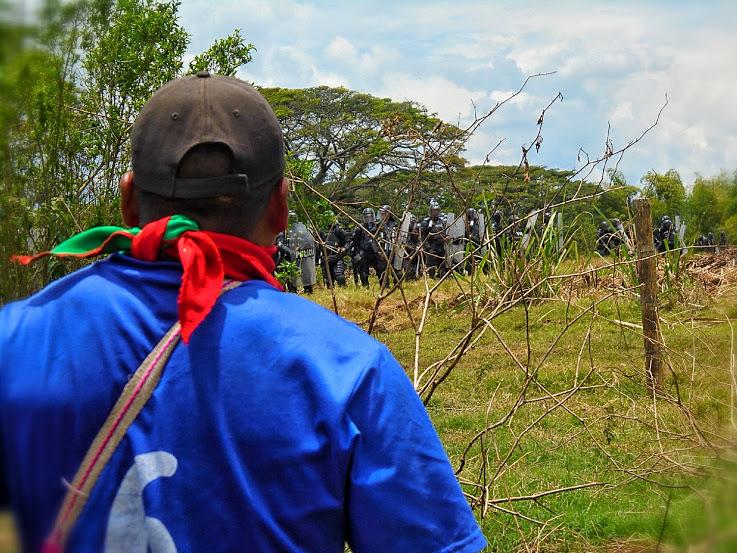 Indígenas Nasa lamentan muerte de Policia en ataque del Esmad a proceso de liberación de la madre tierra