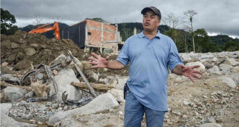 El hombre que busca cadáveres, dos meses después de la tragedia de Mocoa